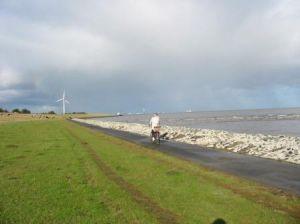Radler zwischen Otterndorf und Cuxhaven (c) AugustusTours
