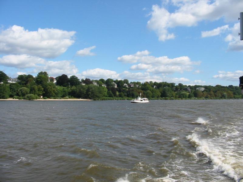 Elbe bei Hamburg (c) AugustusTours