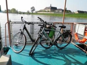 Fährverbindung über die Elbe (c) AugustusTours