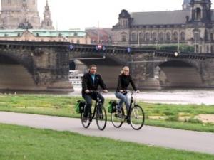 Fahrradfahrer am südlichen Abschnitt des Elberadwegs (c) AugustusTours