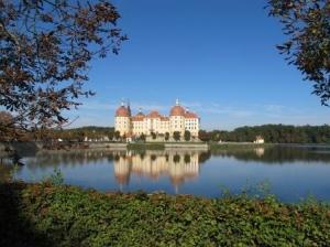 Schloss Moritzburg - Ausflugsziel für einen Radurlaub Dresden (C) AugustusTours