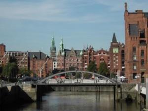 Stadtansicht von Hamburg (c) AugustusTours