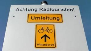 Sperrung mit Umleitung am Elberadweg